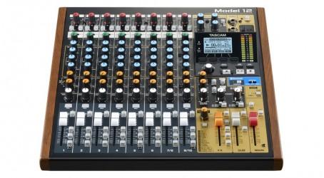Console de mixage Tascam MODEL 12