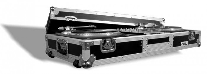 "Flight Case pour platine vinyle + Table de Mixage 10""  Road Ready RRDJ10W"